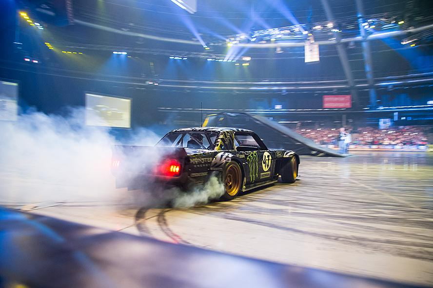 "Hoonicorn RTR on the painted surface at the TicketPro Dome in Johannesburg, South Africa, June 2015 during ""Clarkson, Hammond and May LIVE!"""
