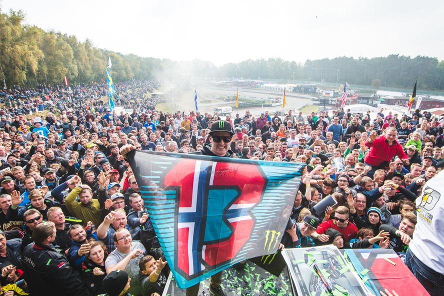 Hoonigan Racing Division's Andreas Bakkerud has managed to keep his hopes alive in the hunt for third-overall in the 2016 FIA World Rallycross Championship by finishing the final European round of the season at Estering in Germany in third place.