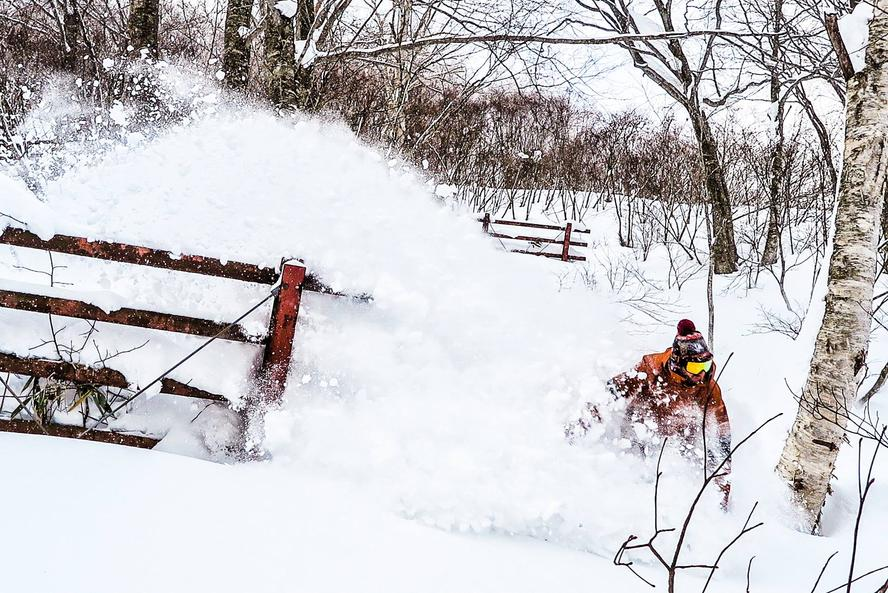 With an awesome year of pow at his home in Utah, Block was set to have an incredible winter. However, when opportunity knocks, he's not one to turn it down. An invitation came through for Block and his wife to travel to Hakuba, Japan, to search for powder with legendary pro snowboarder Travis Rice and he jumped on it.