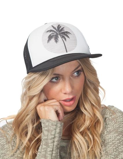 MOON ISLAND CAP