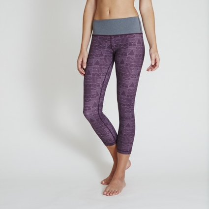 BURGUNDY ENCINITAS HOUSE LEGGING - CAPRI