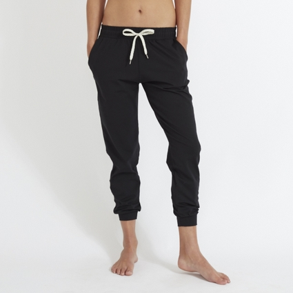 PERFORMANCE JOGGER BLACK